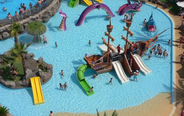 Los mejores hoteles para ir con ni os en espa a - Hotel piscina toboganes para ninos ...
